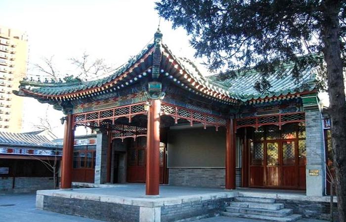 北京隆安寺:明朝寺庙建筑风格,寺内戏台可谓创举!