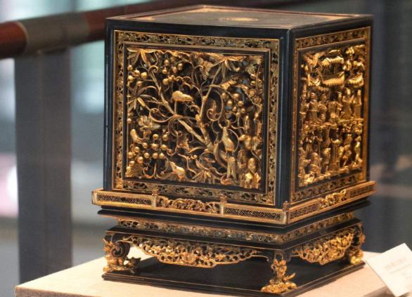金漆木雕传统雕刻艺术