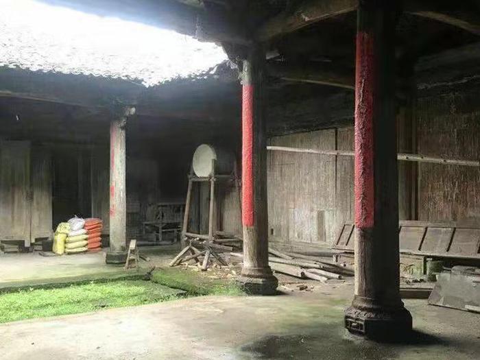 出售_江西清早期的官厅,面积近300平方米,柱子50公分左右图3