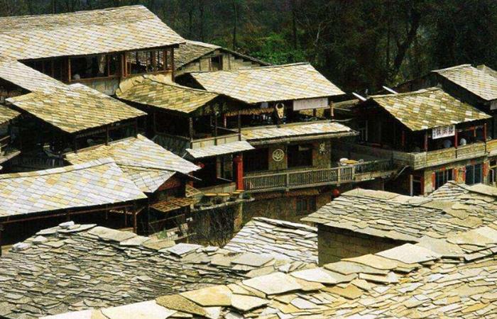 如何保护、继承和发展布依族民居建筑文化?