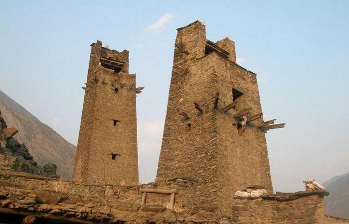 浅谈羌族碉楼的营造技艺