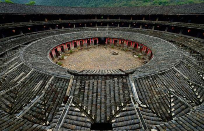 花萼楼——广东规模最大的民居古建筑