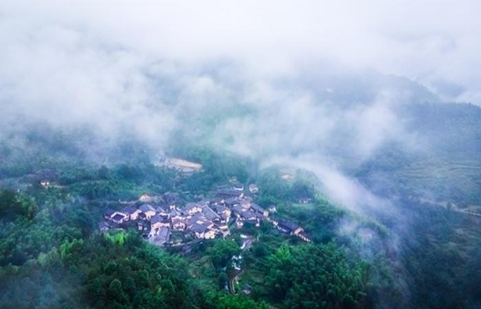 """高山村——深藏广西大山里的文化""""进士村"""""""
