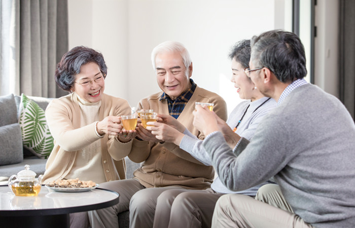 """新型养老模式出现:""""城市老人寄养农家"""""""