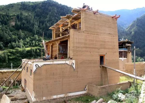 你知道什么是夯土吗?现代夯土建筑实例