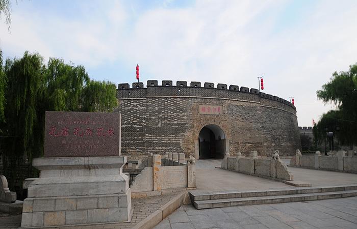 山东曲阜三孔古建筑群:孔府、孔庙、孔林