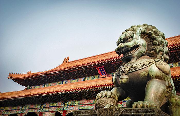 中国古建筑装饰中的动物纹样有何寓意?