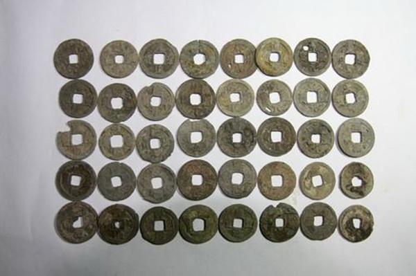 浙江海宁市某工地挖掘出300斤铜质古钱币