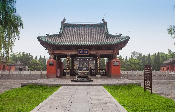 """济渎庙被誉为中原古代建筑的""""博物馆"""""""