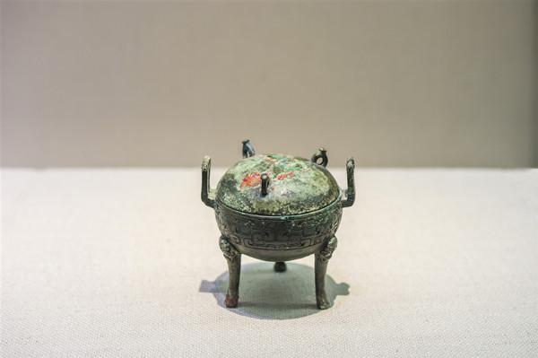 中国成功追索流失日本曾伯克父青铜组器