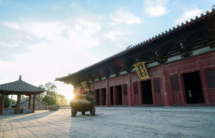 千年古刹奉国寺为何供奉着七座大佛?
