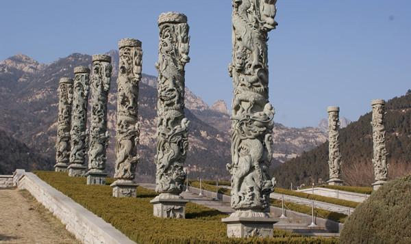 古建筑中那些石雕龙柱有何意义