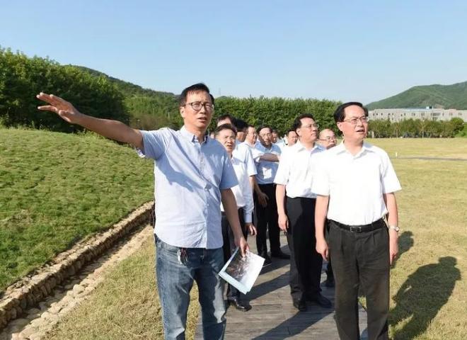 省委书记车俊赴余杭区良渚古城遗址调研