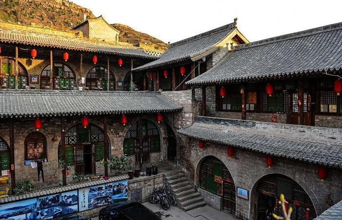 """吕梁碛口古镇被誉为""""九曲黄河第一镇"""""""