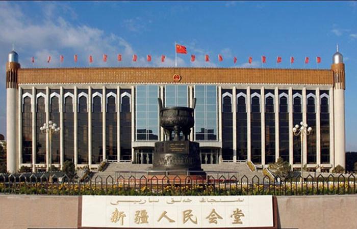 建筑大师孙国城主持设计的新疆人民会堂