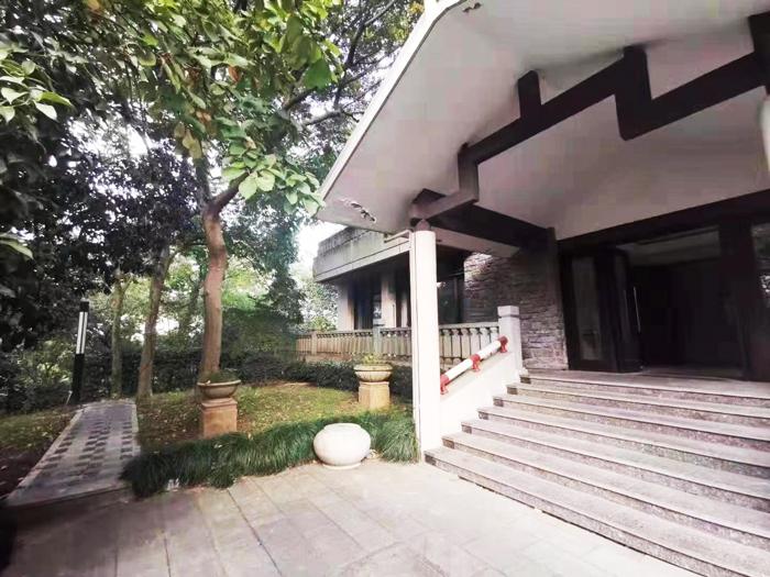 出租_【景区会所】独门独院、花园1000方、豪华装修,拎包入住