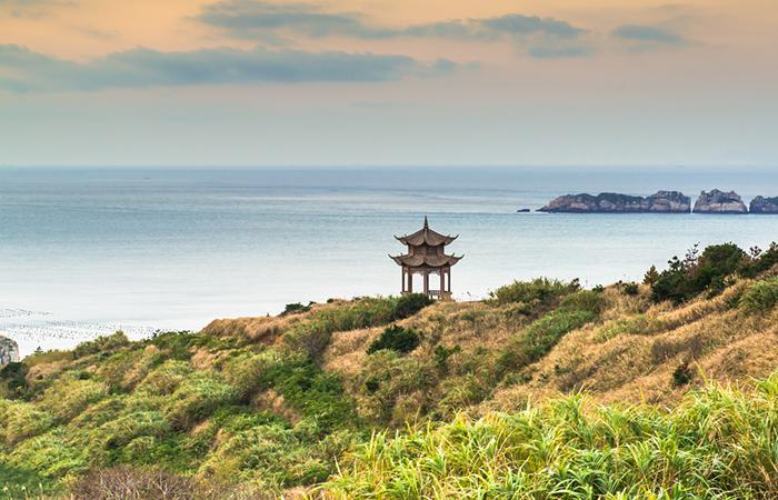 中国园林中的亭子,一般建在哪些地方?