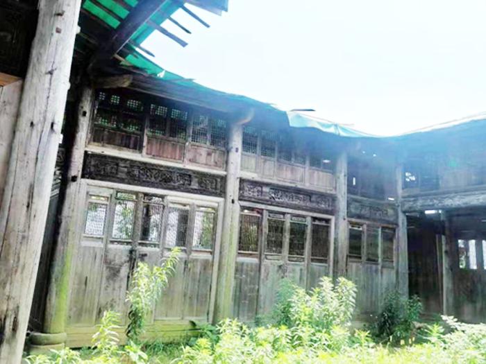 出售_状元第,面积384.3平方米的木雕古宅