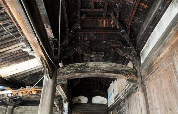 中国古建筑木构件中的月梁