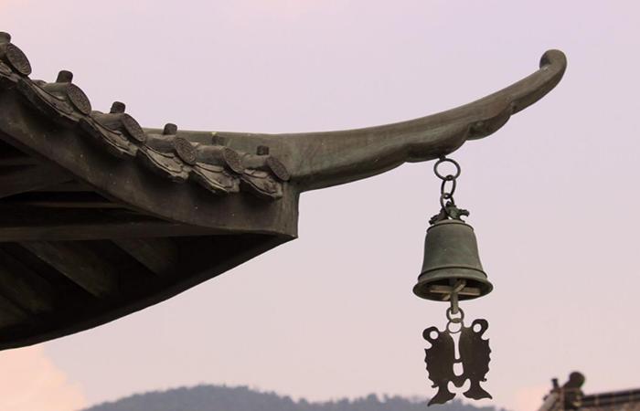 寺院建筑檐角下的风铃,有什么寓意?