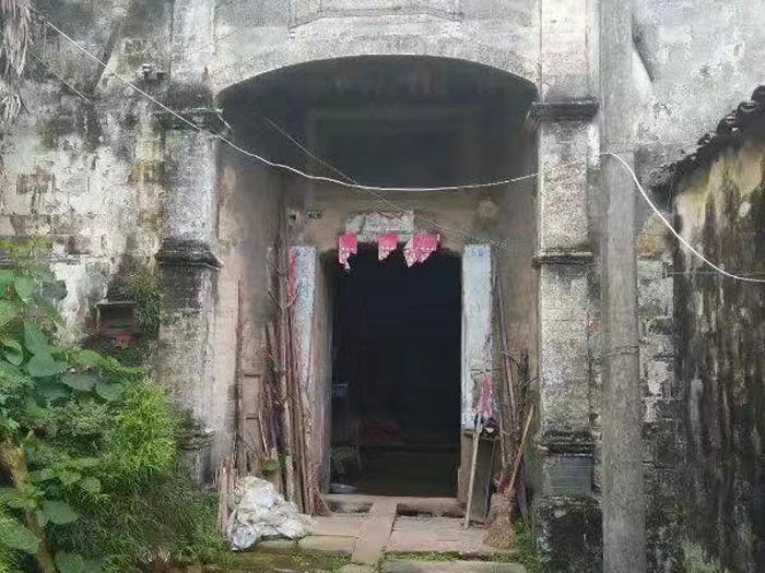 出售_ 明代知府邸名人故居,占地面积600平方的古建筑,原址没拆。