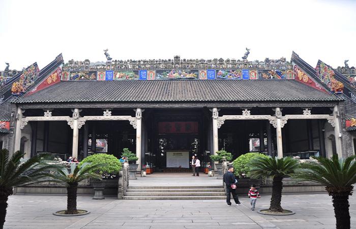 """广州陈家祠——""""岭南建筑艺术的一颗明珠"""""""