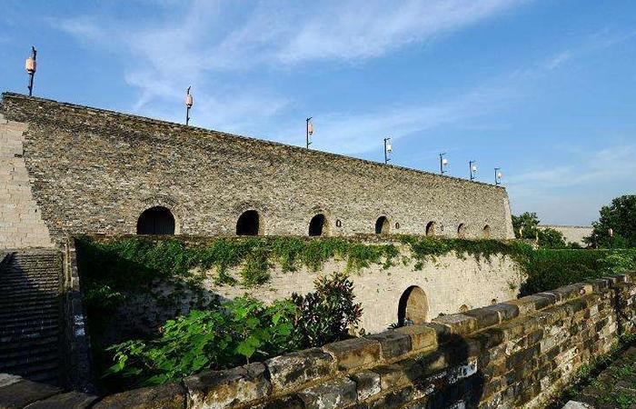 南京明城墙六百年屹立不倒,城墙砖铭文背后的故事!
