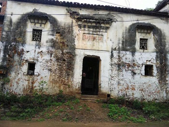 江西景德镇古镇200方老宅子出售