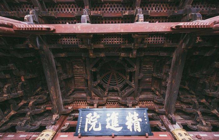 中国古建筑的布局有哪些特点?
