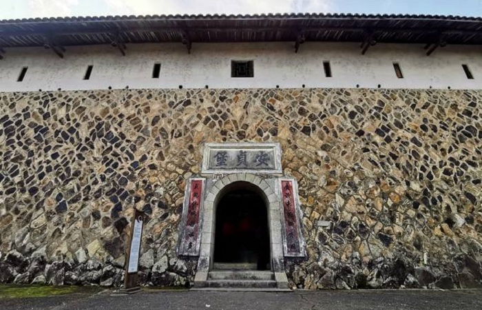 永安安贞堡 中国罕见的大型夯土古民居