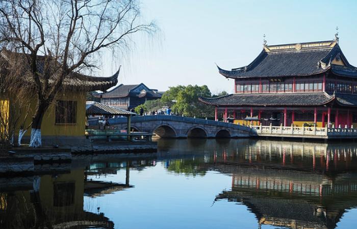 浅谈佛家思想在寺庙古建筑规划中的体现