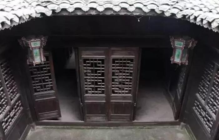 浅谈中国传统建筑装饰窗棂纹样元素