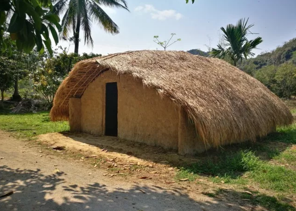 海南黎族传统民居建筑——船型屋
