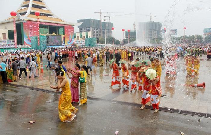 傣族的传统节日和风俗是什么?