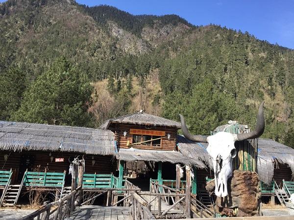 珞巴族建筑部落