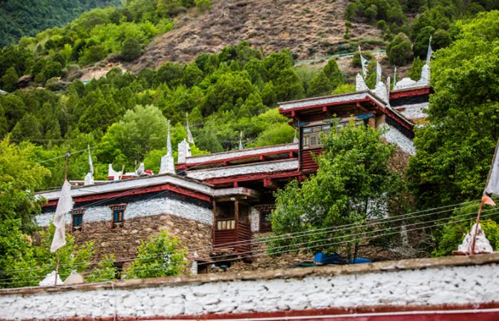 甲居藏寨——藏族传统特色民居建筑