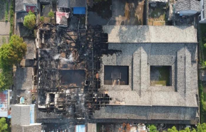 浙江温州一处300多年古宅突发火灾