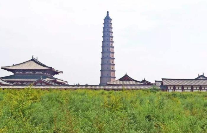 """山西古建筑汾陽文峰塔——""""天下第一塔"""""""