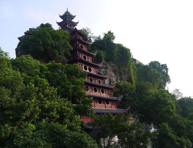 """""""江上明珠"""",建筑奇观"""