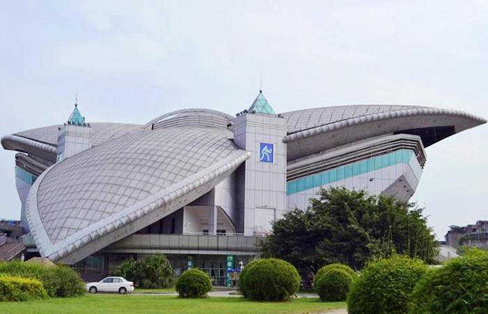 建筑大师黎佗芬设计作品-四川大学体育场馆