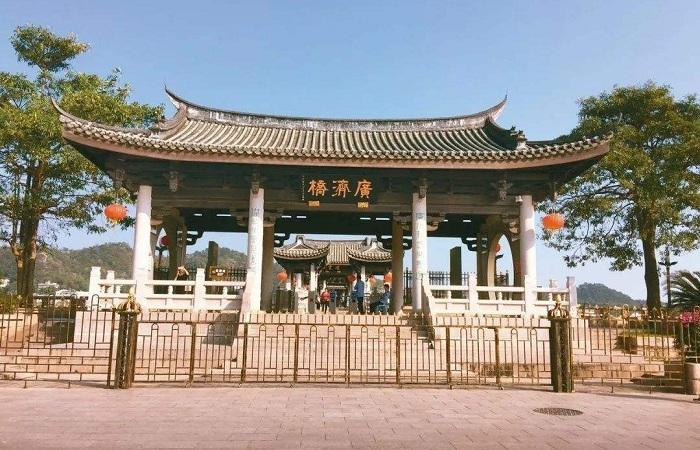 浅谈潮州广济桥的建筑特点