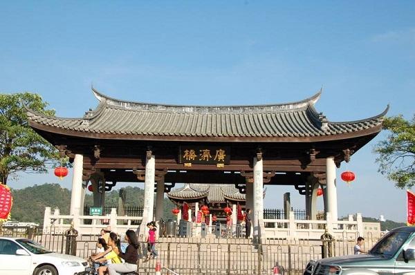 广济桥正门