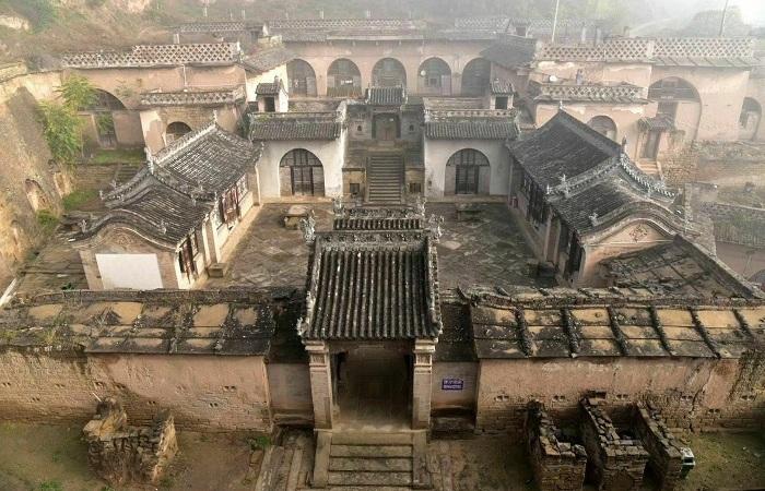 米脂姜氏庄园:罕见的城堡式窑洞庄园