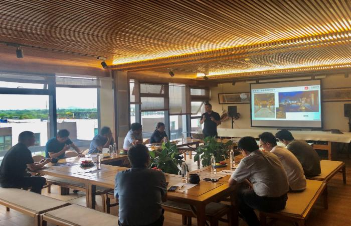 黄山区政府领导莅临古建中国考察指导,共同探讨文旅康养未来建筑新思路!