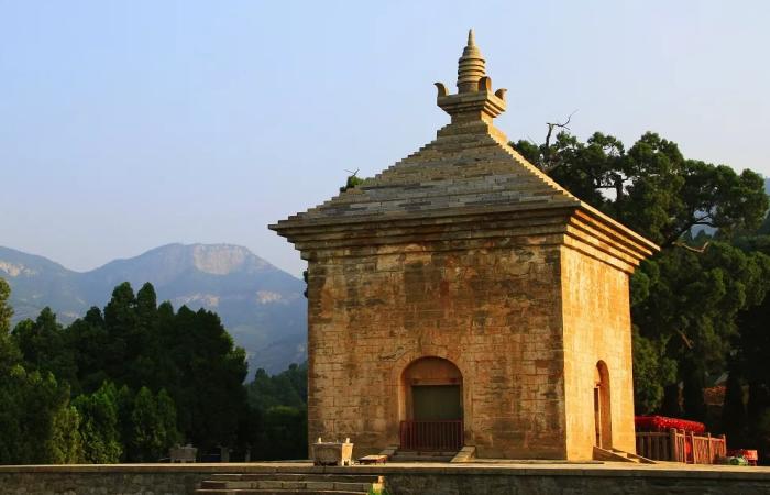 """山东古建筑四门塔:""""中国第一石塔"""",1400多年历史!"""