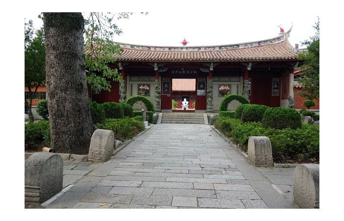 泉州开元寺——福建省规模最大的佛教建筑之一