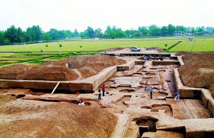 二里头遗址:发现中国最早的多网格式都城布局