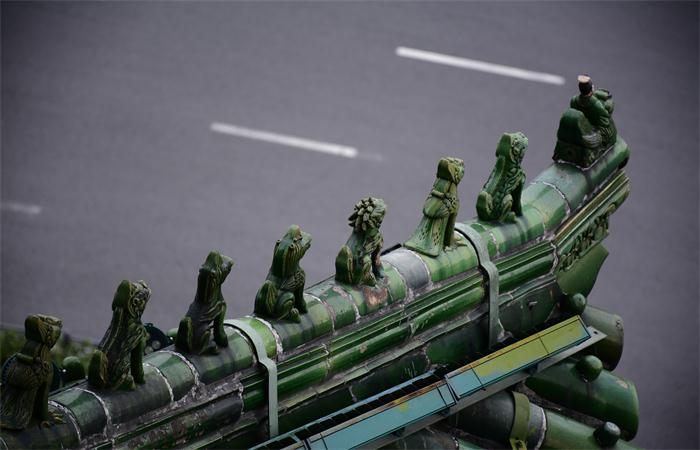 中国古建筑屋顶上的呆萌神兽