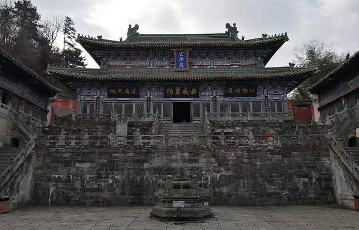 武当山南岩宫——悬崖上的宫殿布局巧妙