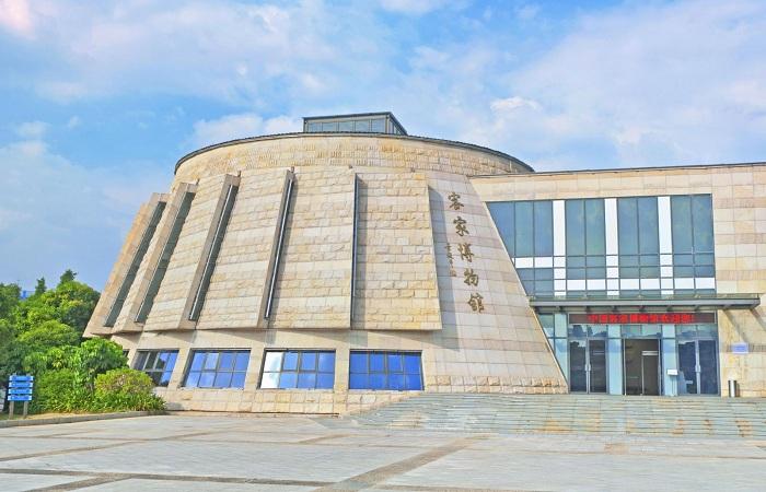 中国客家博物馆:客家人寻根问祖和文化交流的平台